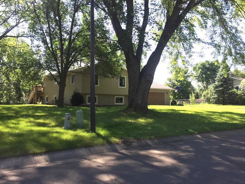 Homes in Queensland Neighborhood in Plymouth, Minnesota